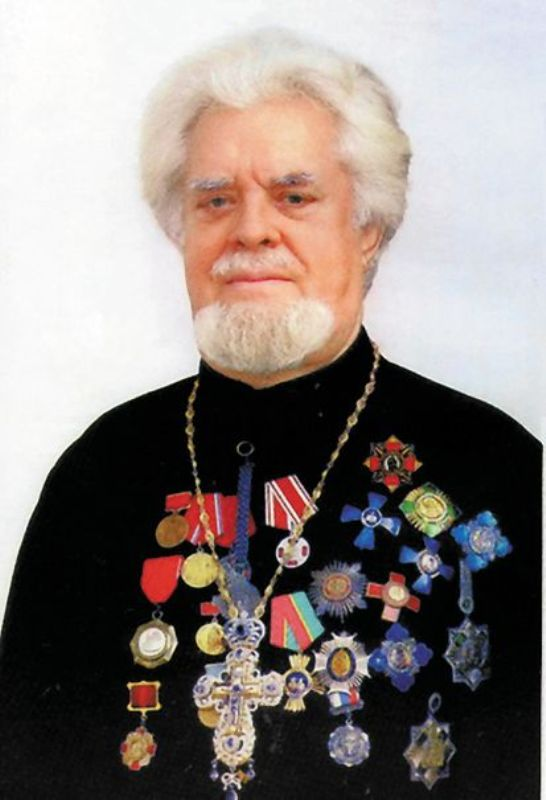 """Протоиерей Сергий (Суздальцев). Фото из альбома """"Алтари Победы"""""""