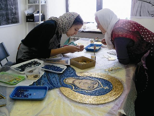 У прихожан храма была уникальная возможность вложить свою лепту в соз- дание византийского чуда