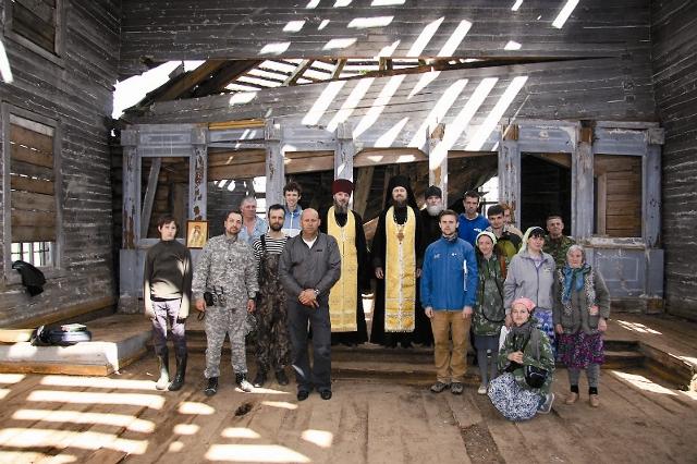 Если в группе есть священник, служатся молебны – впервые за много десятилетий