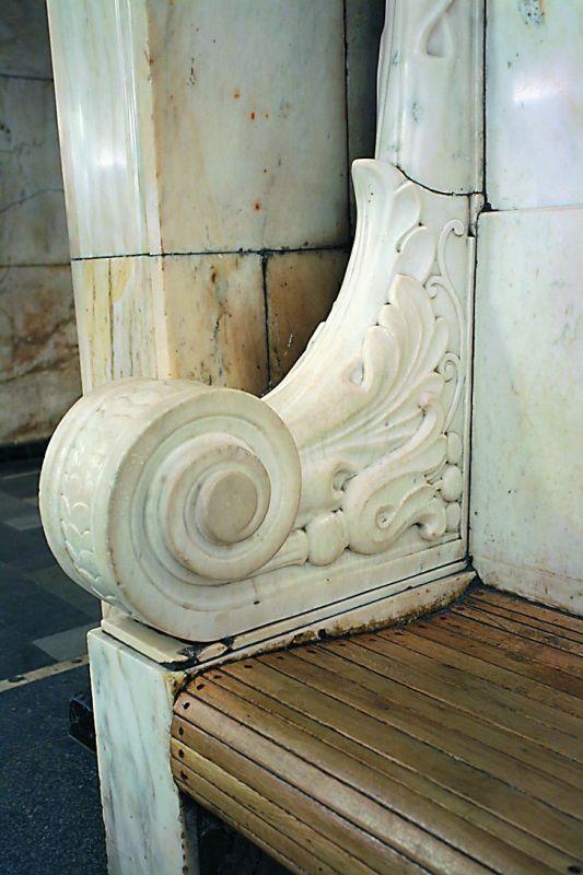 Еще одним предлогом для уничтожения храмов послужила нехватка стройматериалов