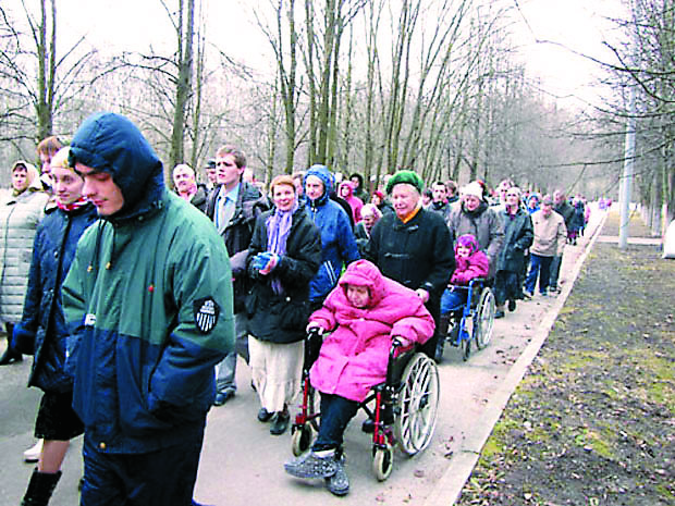 Инвалидная коляска – не преграда для приходской жизни
