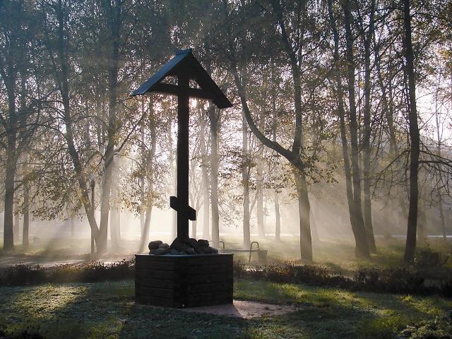 Крест на месте Спасского собора