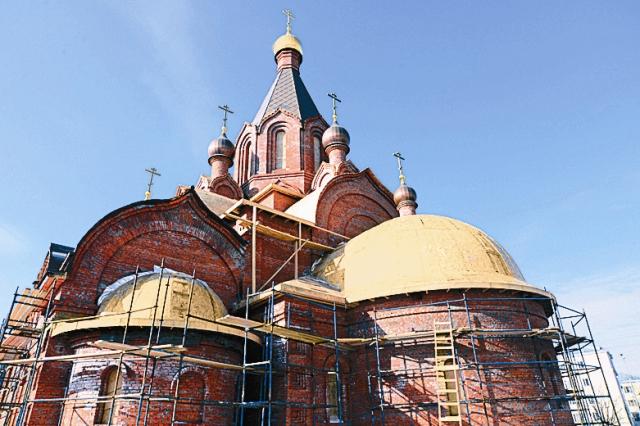 Строительство храма святых равноапостольных Мефодия и Кирилла, учителей Словенских, на ул. Мельникова