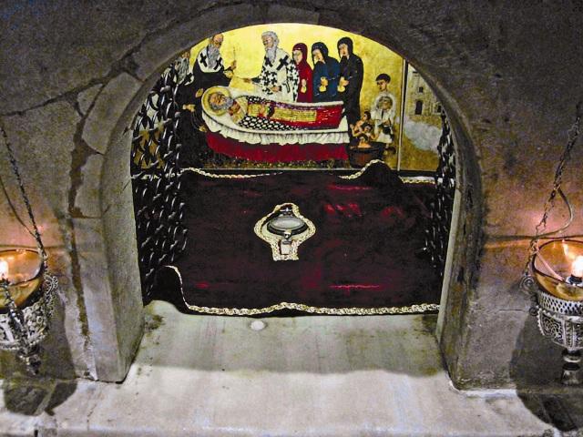 Надгробие Святителя Ниоклая