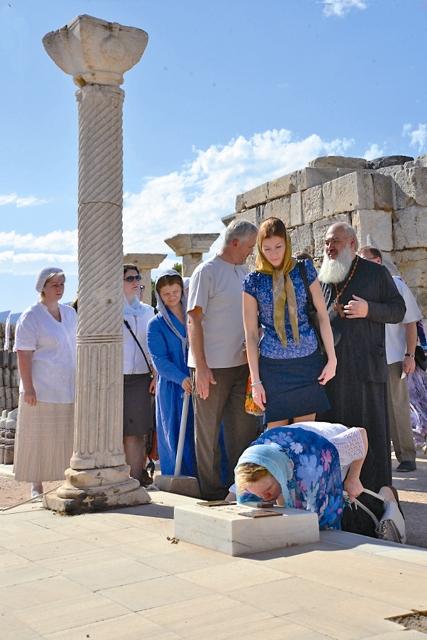 На гробнице святого апостола Иоанна Богослова