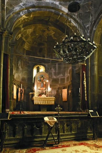 Основателями Армянской Церкви считаются святые апостолы Фаддей и Варфоломей, в I веке пришедшие сюда с проповедью христианства