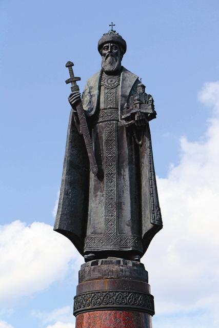 Памятник святому благоверному князю Даниилу Московскому на Тульской площади