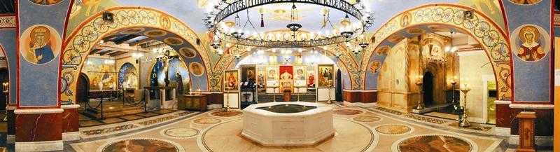 В нижней церкви Покровского храма по благословению Патриарха Кирилла реализован уникальный проект – «Икона Святой Земли»