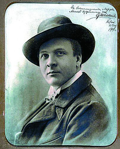 Прихожанином и щедрым благотворителемПантелеимоновской церкви был Ф.И. Шаляпин