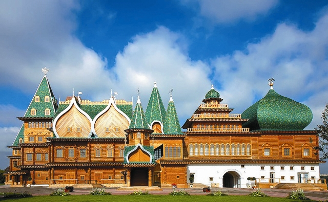Воссозданный дворец царя Алексея Михайловича
