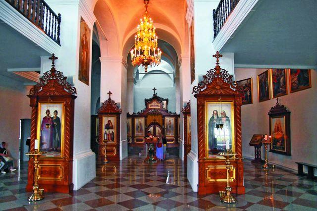 В Преображенском соборе покоятся мощи святого  Александра Свирского