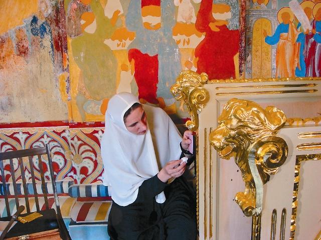 Восстановление внутреннего убранства монастыря