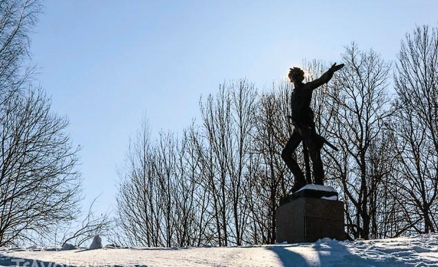 Памятник Петру I на горе Гремяч
