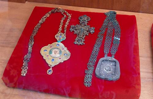 Личные вещи Патриарха Тихона, пролежавшие в земле около ста лет