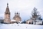 Сегодня Воскресенский монастырь заброшен, с куполов содрана позоло- та, иконы вывезены в неизвестном направлении