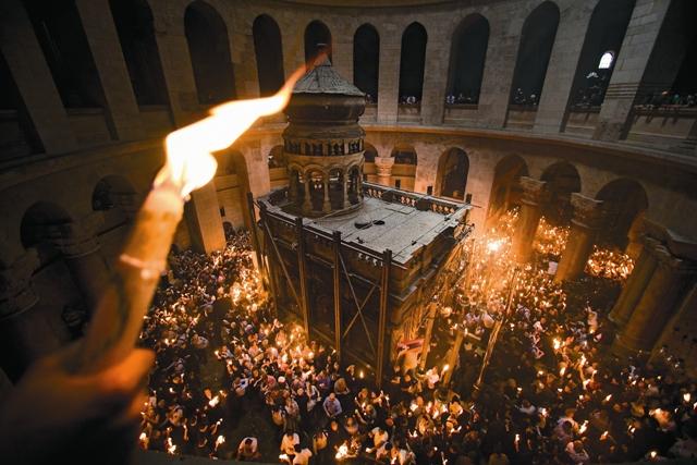 Именно здесь, в живоносном Гробе Господнем, свершилось самое важное событие в истории чело- вечества – победа над смертью и силами зла.