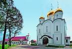 Благодаря тому, что финансиро- вание стройки не прекращалось ни на один день, храмовый комплекс был построен в рекордно короткие сроки.