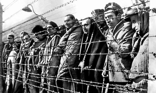 «Больные военнопленные и персонал госпиталя лагерного пункта №134 в г. Пскове выносят глубо- кую благодарность за присланные продукты – муку, яйца и другое, пожертвованное Вами для русских раненных военнопленных»