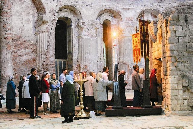 Очередь на поклонение в Кувуклию