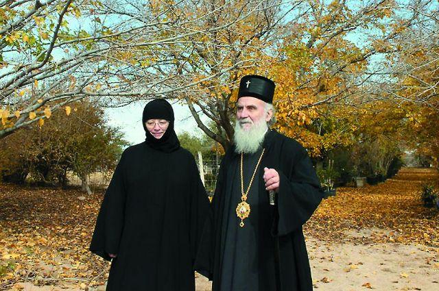 На новом месте духовным наставником Свято-Паисиевой обители стал афонский старец Ефрем.