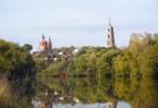 В 1560-е годы на высоком берегу Веневки вырос новый город. Первый дубовый острог с башнями поставил здесь боярин Шереметев