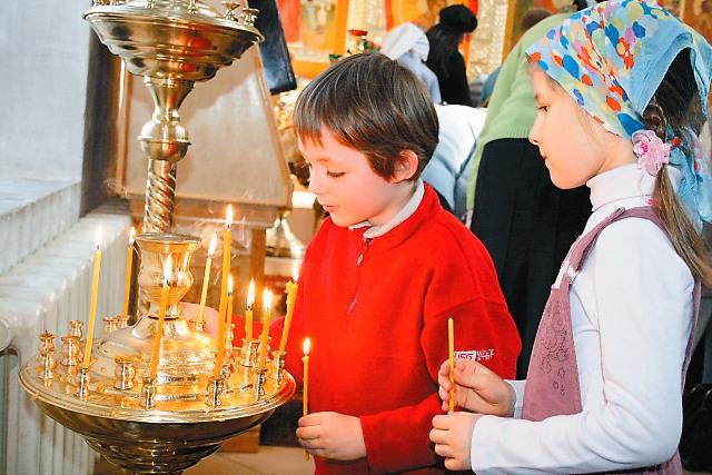 Маленькие прихожане храма Живоначальной Троицы