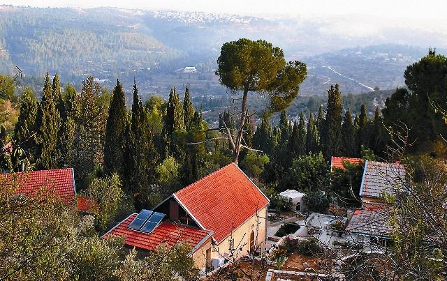 Домики, в которых живут паломники