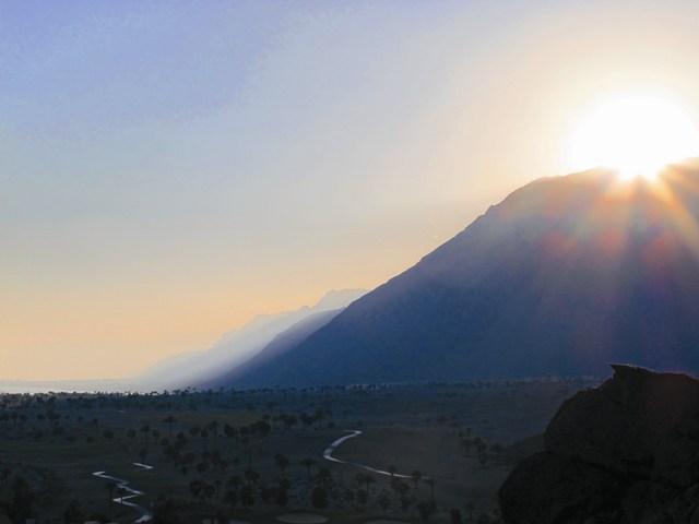 Каждый год в праздник Преображения, на рассвете, гору Фавор осеняет чудесное облако света как знак особой милости Божией