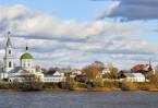 В 1327 году на Тверь нападает и разрушает ее московский князь Иван Калита, но город снова возрождается. XV век – время расцвета Твери: стротся каменные башни в кремле, из камня же возводятся княжеский дворец и множество храмов.