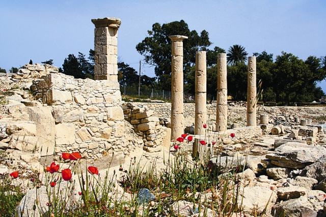 Руины древнего храма