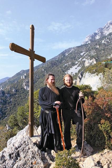 В монашескую республику могут попасть только мужчины, получившие к тому же специальную визу – диамонитирион