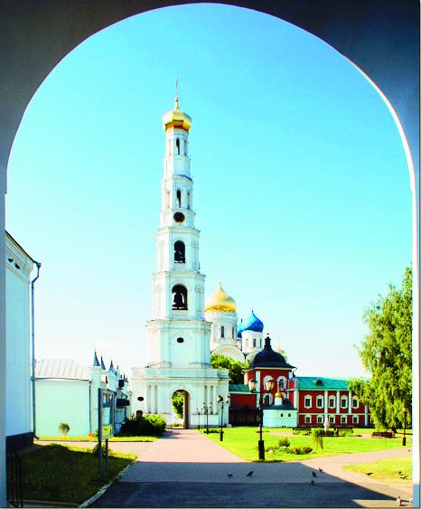Угрешская свеча – знаменитая колокольня высотой 77 м