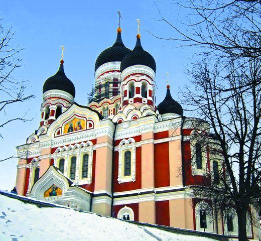 Кафедральный собор Александра Невского виден из любой точки Старого города