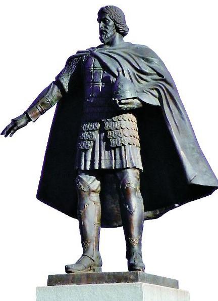 Памятник святому князю Владимиру работы скульптора В.М. Клыкова