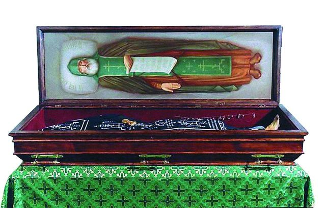 В кипарисовом гробе преподобного большевики ожидали найти восковую подделку. А увидели перед собой совершенно сохранное тело и испытали настоящий шок