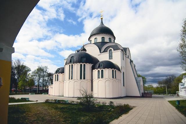 В Воскресенском кафедральном соборе Твери хранятся мощи св. Сергия (Сребрянского)