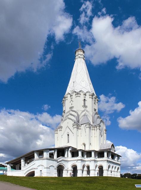 Вознесенская церковь по- ложила начало шатровому стилю в архитектуре Руси