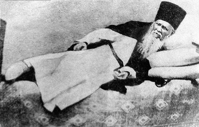 Через три года пребывания в Оптиной пустыни Александр Гренков принял постриг и был наречен Амвросием – в честь святителя Амвросия Медиоланского