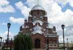 Величественный собор с двумя приделами во имя пророчицы Анны и преподобного Серафима Саровского был построен на территории Иоанно-Предтеченского монастыря в 1898-1906 гг