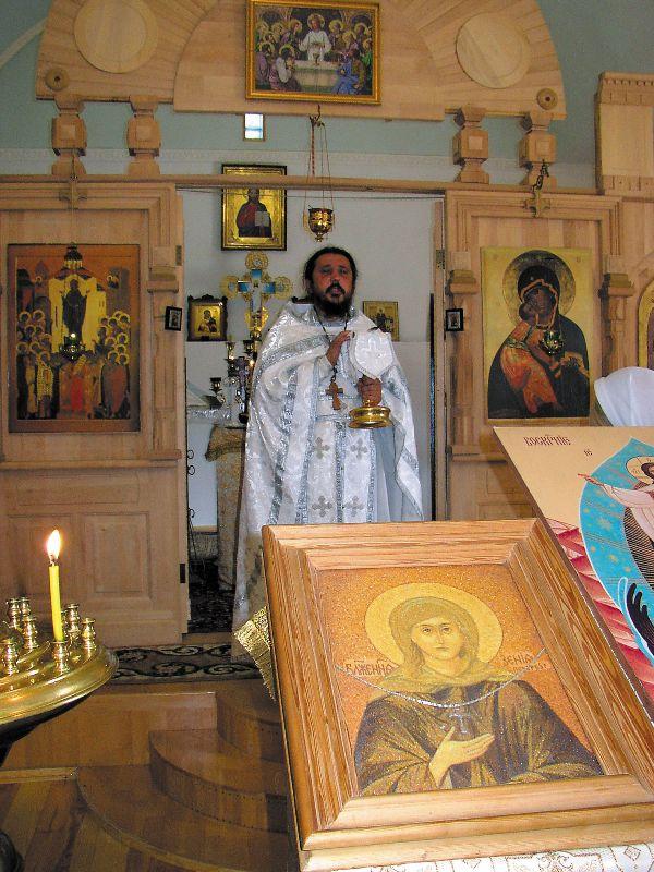 Икону Ксении  Петербургской из янтарной крошки подарил храму начальник следственного отдела Ровенской области