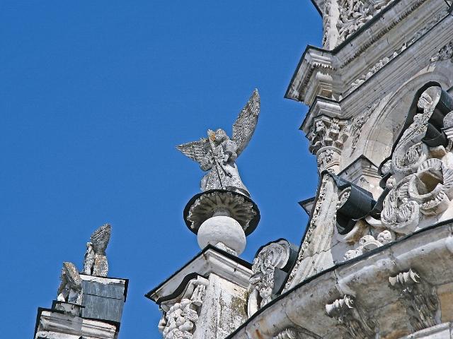 Скульптуры для храма создавали итальянские мастера