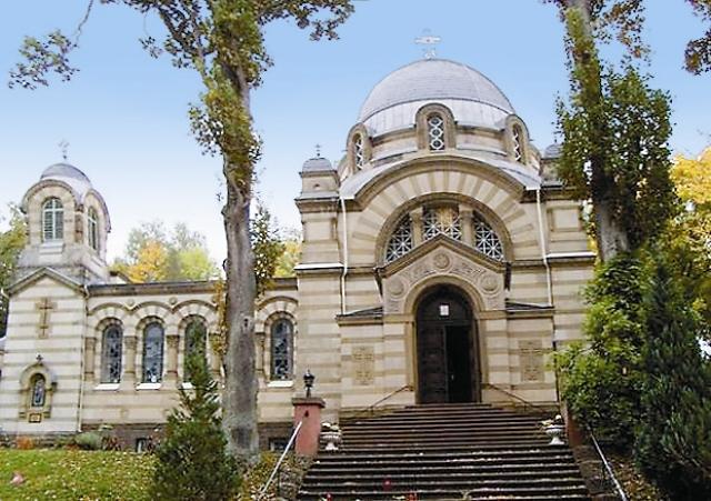 В берлинском районе Карлсхорст есть здание, на первом этаже которого располагается домовая церковь.