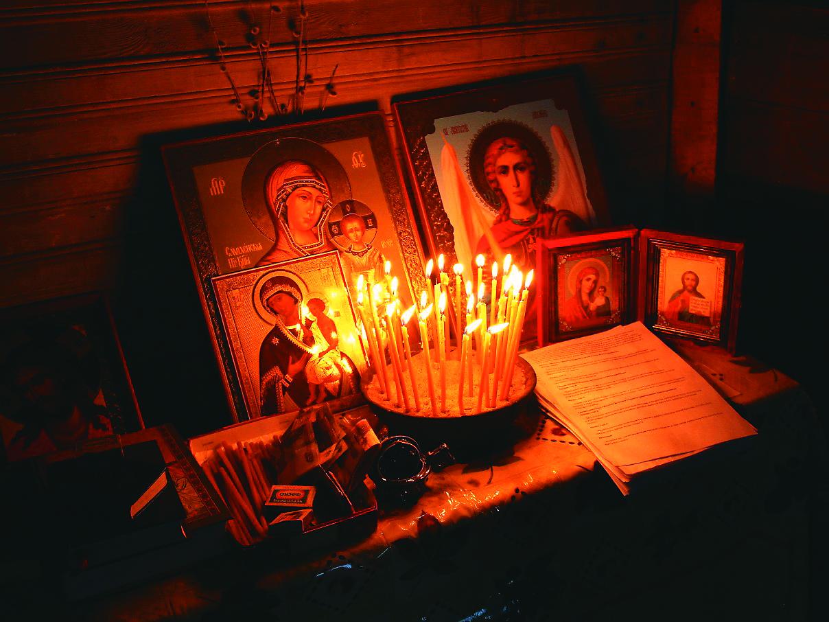 В церкви загорелись волосы от свечи