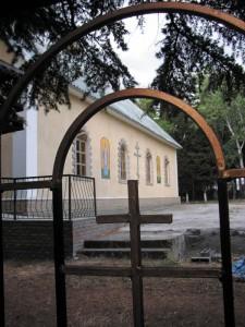 Храм Ксении Петербургской возвели на месте развалившегося кинотеатра.