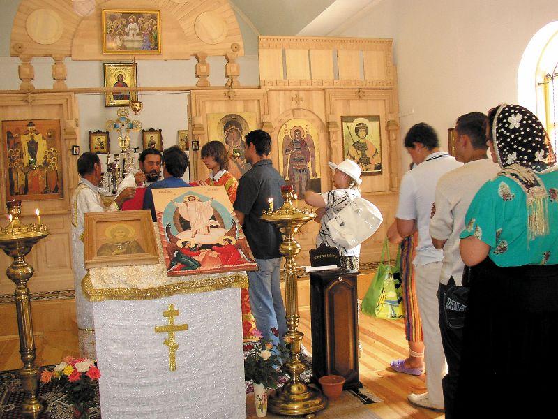 Отец Игорь появился в здешних местах не так давно. Он и не думал, что станет священником.