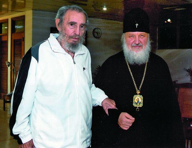 В 2004 году Фидель Кастро пообещал митрополиту Кириллу (ныне Патриарху) быть комиссаром стройки русского православного храма и сдержал слово