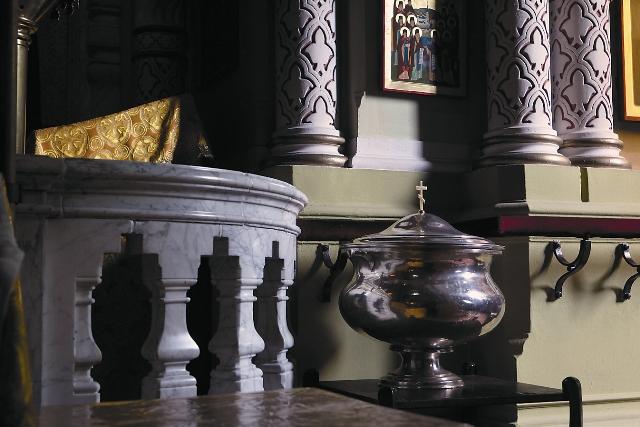 Предположительно, в этой купели были крещены Петр Столыпин и дочь федора Достоевского Любовь