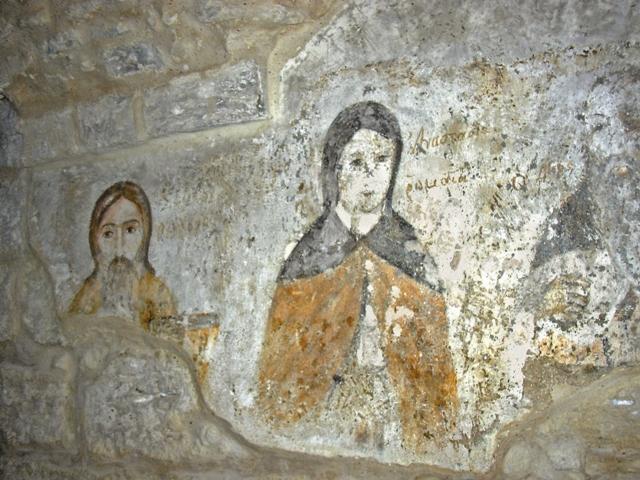 Древние фрески, сохранившиеся в нижнем храме. Фото Галины Дигтяренко