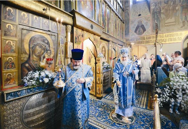 Патриаршая служба в Казанском храме