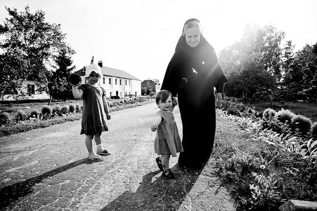 Жизнь в обители